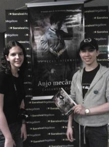 Lançamento de Anjo Mecânico, de Cassandra Clare.